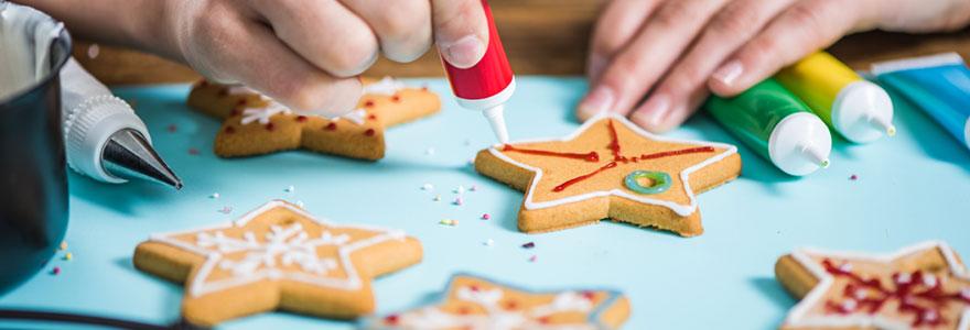 Décoration de biscuits pour une fête d'enfants
